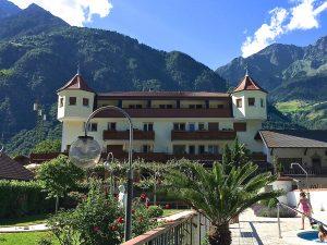 Hotel Weiß, Patschins