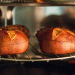 Laugenbrötchen im Ofen