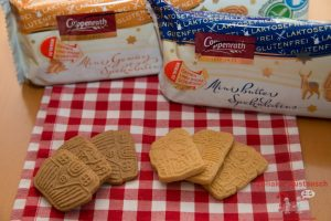 Coppenrath glutenfreier Spekulatius (links Gewürz, rechts Butter)