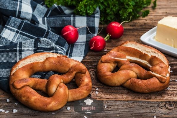 glutenfreie-laugenbrezeln-panista-sideshot_600x600